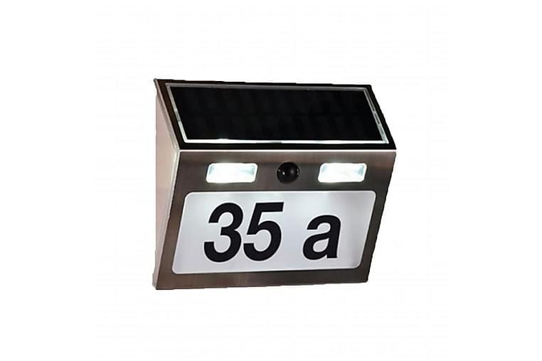 HI Husnummer med soldrivna LED silver - Silver - Trädgård - Trädgårdsdekoration & utemiljö - Fasaddekor