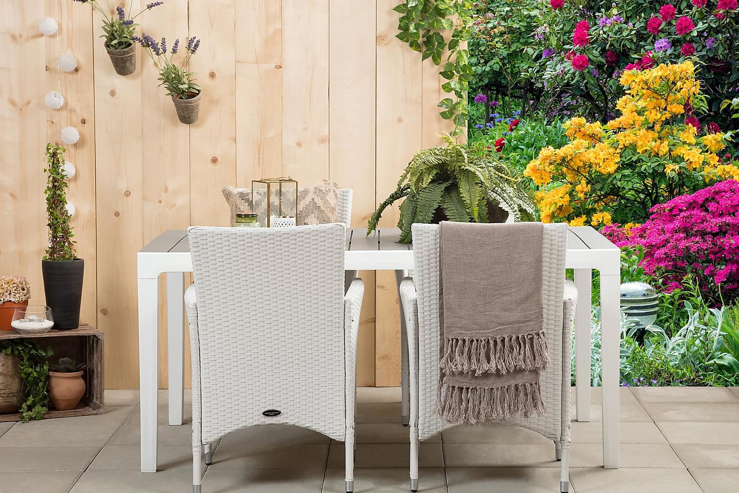 BILBAO Pöytä 160 + 4 ARUBA Käsinojallista tuolia Valkoinen/H